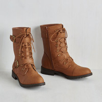 Ponder Your Wandering Boot in Caramel