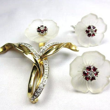 Ciner Brooch with Earrings, Jewelry Set, Poured Glass, Red Rhinestone Vintage Jewelry RARE