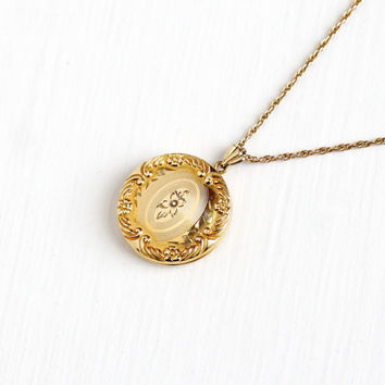 Vintage Round Flower Locket Necklace - WWII 1940s Mid Century 12k Yellow Gold Filled Floral Photograph Repousse Jewelry
