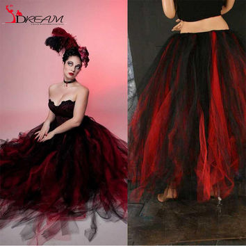 Gothic Scary Black and Red 2016 Ball Gown Wedding Dresses Vintage Victorian Strapless Tulle Halloween Party Corset Bridal Gowns