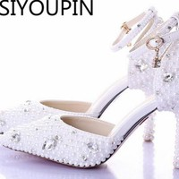 2018 Summer White Pearl Diamond Bride Shoes High Heels Fine with Wrist Strap Shoes Female Sandals Stage Sweet Wedding Shoes