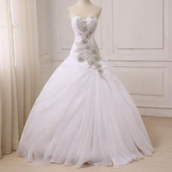 Elegant Sparkling Wedding Dresses Sweetheart Sleeveless Ball Gowns Pleats Beaded Crystals Floor Length Bridal Gowns