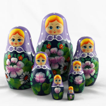 Matryoshka Russian Nesting Doll Babushka Beautiful Purple Headscarf Flowers Set 7 Pieces Pcs Hand Painted Wooden Souvenir Handicraft Craft