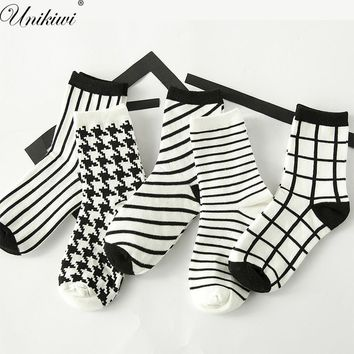 Women's Classic Houndstooth Check Socks.Cotton Harajuku Ladies Vintage White Black Plaid Socks Stripes Grids Tube Sock Sox Meias