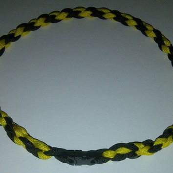 Paracord Sports Necklace Twisted Black & Yellow (Small (18 inches))