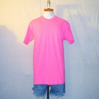 Vintage Deadstock 80s PLAIN NEON FLUORESCENT Beach Surf Skate Pink Blank Summer Medium Cotton T-Shirt