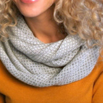 Jacquard gray and white alpaca wool Infinity Scarf, organic wool Loop Scarf, Knit Cowl Scarf, Circle Scarf. snood