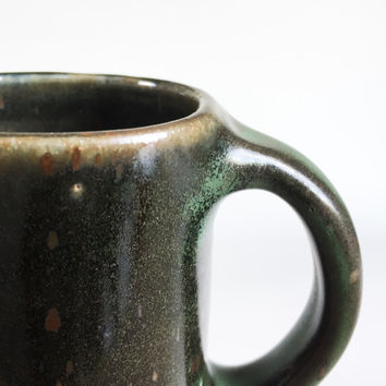 GREEN BLACK MUG 12 oz, ceramic, ceramics, pottery, handmade, coffee, tea, hot, chocolate, milk, water, chai, beer, green, medium, classic