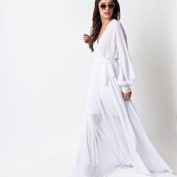 1970s Style Clean White Long Sleeve Maxi Dress