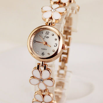 Comfortable Vintage Fashion Quartz Classic Watch Round Ladies Women Men wristwatch On Sales = 4662272964