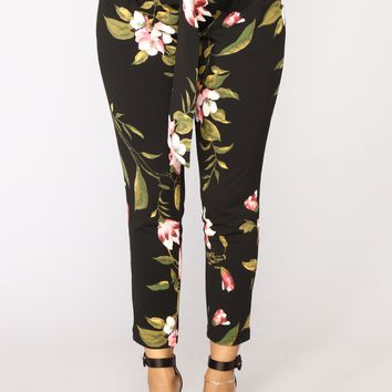 Tropical Escape Pants - Black Floral