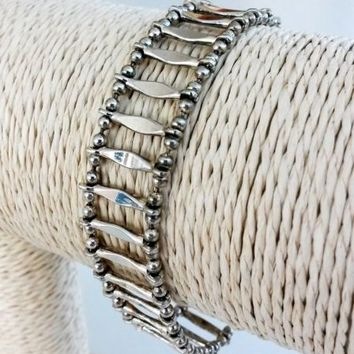 """Vintage Bead and Bar Link Silver Tone Bracelet 9/16""""Wide 1990s Lobster Clasp"""