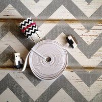 New Super Cute Jeweled Black & White Chevron Designed Wall iphone 4/4s/4g Charger + 10ft Flat White Cable Cord