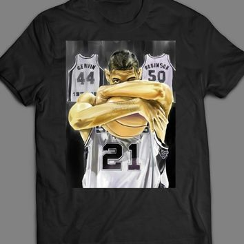 60f13f854 SAN ANTONIO SPURS TIM DUNCAN LEGENDS CUSTOM ART T-SHIRT
