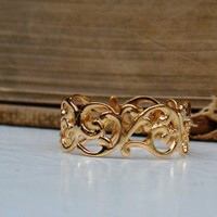 A Vintage Style Woven Gold Plated Ring by roomofyourown on Etsy