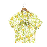 Ascot Tie Blouse Secretary Cropped Floral Grass Green Short Sleeve Top 1950s Flower Print Button Up Yellow Spring Petite Vintage Small