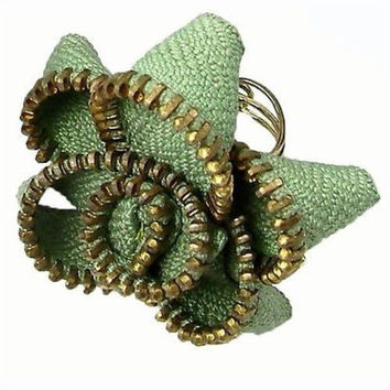 Zipper Flower Ring in Sage - WorldFinds