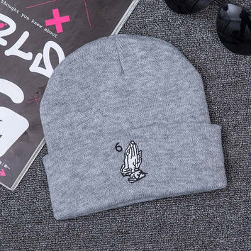 Unisex Grey Drake OVO Six 6 God 6ix Warm Woolen Hats Praying Hands Together Pray Europe Retro Knit Hat Winter Outdoor Warm Woolen Skullies Beanies