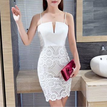 Sexy low-cut lace halter dress