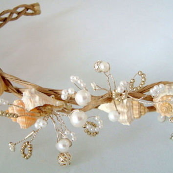 White Bridal Wreath, Seashell Wreath, Wedding Headband, Beach Wedding, Bridal Beach, Victorian Headpiece, Natural,   Woodsy,