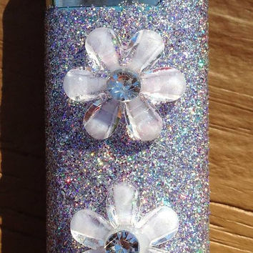 LIGHTER -- Glitter Lighter with White Daisies
