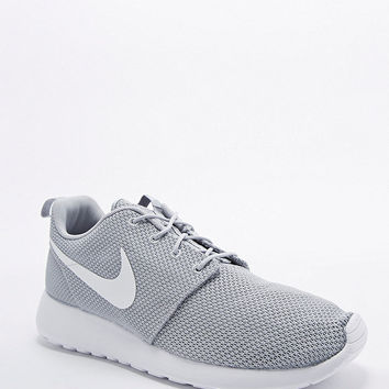 Nike Roshe Run Trainers in Wolf Grey - Urban Outfitters