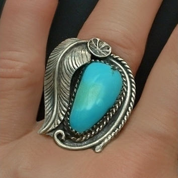 OLD PAWN Vintage Native American Turquoise RING Sterling Silver Navajo Feather Leaf Flower Motif Large, Size 7.5 c.1950's