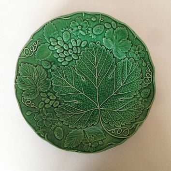 Majolica Plate, Green, 1880s, Strawberry and Grapevine Pattern, Collectible