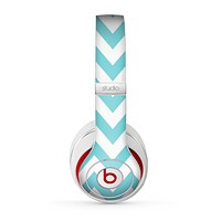 The Subtle Blue & White Chevron Pattern Skin for the Beats by Dre Studio (2013+ Version) Headphones