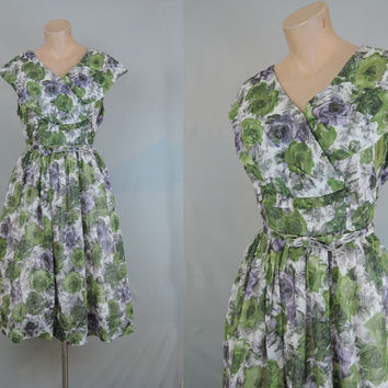Green and Purple Floral Dress with Shawl Collar - fits 40 bust - Vintage 1950s Volup