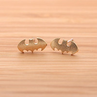 BATMAN stud earrings, in gold