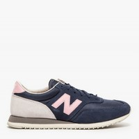 New Balance 620 in Navy