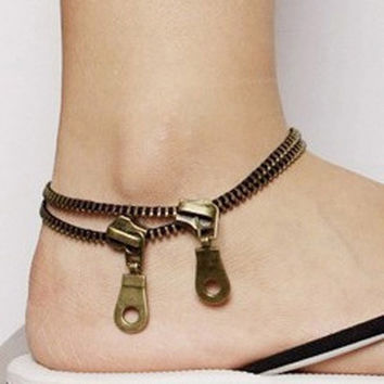 Attractive Punk Hot Sale Metal Jewelry Unique Zipper Design Anklet Cool Bracelet Ladies Accessories = 1695616964
