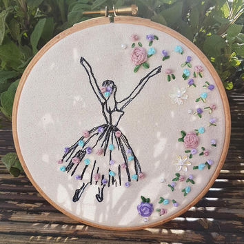 Ballet dancer emboridery ring-hand embroidery-free motionmachine embroidery-floral display-dancer-lady dancer