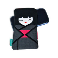 Graphite case like doll Japanese, dark kimono with pink belt obi, phone case, small gadget pouch, small pouch.