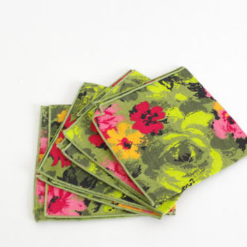 vintage floral napkins // set of 4 cloth napkins // vibrant floral fabric // green pink red napkins // square cloth napkins / tropical cloth