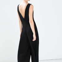 V-neck pleat jumpsuit
