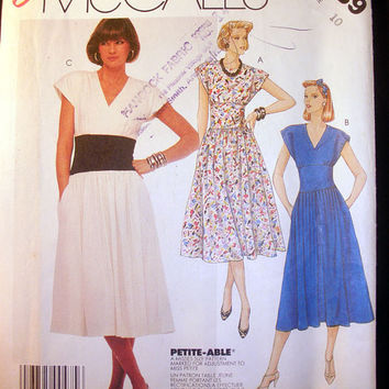 Women's Sleeveless Dress Misses' Size 10 Vintage McCall's 2389 Sewing Pattern Uncut
