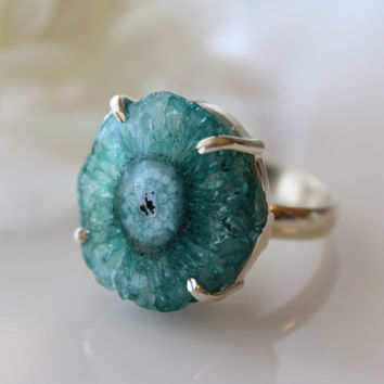 Blue Geode Slice Ring, 925 Sterling Silver, Cocktail ring, Solar Quartz, Size 8 Ring, Statement Druzy Ring, Geode Jewelry