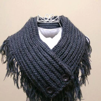 Gray Crochet Scarf With Button, Gray Knitt Scarf,Gray Tassel scarf, Gray Scarf,Grey Knitt scarf,Gray Chunky Scarf,Chunky Neck Warmer