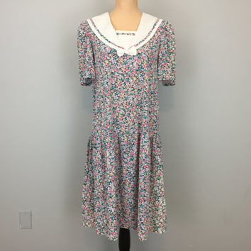 Prairie Dress Floral Print Cotton Country Girl Casual 80s Dress Large Collar Calico Laura Ashley Style Dress Small Medium Womens Clothing