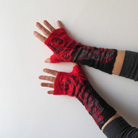 Felted fingerless gloves Mittens -  Black Red gift under 50