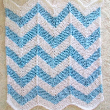 Stroller Baby Blanket White Blue Knit Chevron Striped Retro Mod 26X24