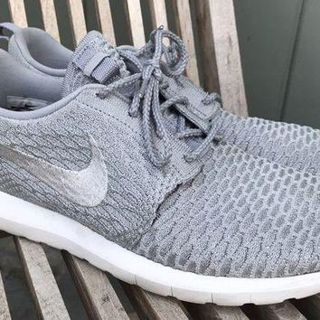 PEAPON MENS NIKE ROSHE RUN FLYKNIT NM WOLF GRAY RUNNING ATHLETIC SHOES SZ 11