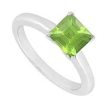 Peridot Ring : 14K White Gold - 0.75 CT TGW