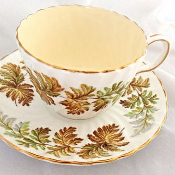 Aynsley Oak Leaves Vintage Teacup & Saucer Set - English Fine Bone China - fluted swirled shape - gilded rim - amber brown green - autumn