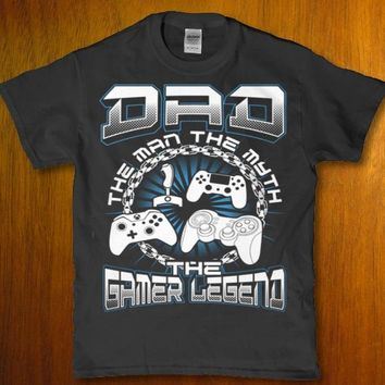 Dad the man the myth the gamer legend adult Men's t-shirt