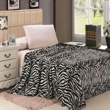 Animal Print Ultra Plush Black & White Zebra Full Size Microplush Blanket