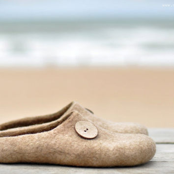 Felted slippers - On Sandy beach - Ready to ship (EU 39/ UK 6/ US 8,5)