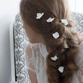 Bridal flower hair accessories, Ivory flower hair pins, Small hair flowers - set of 7, Wedding flowers, White brodal pins